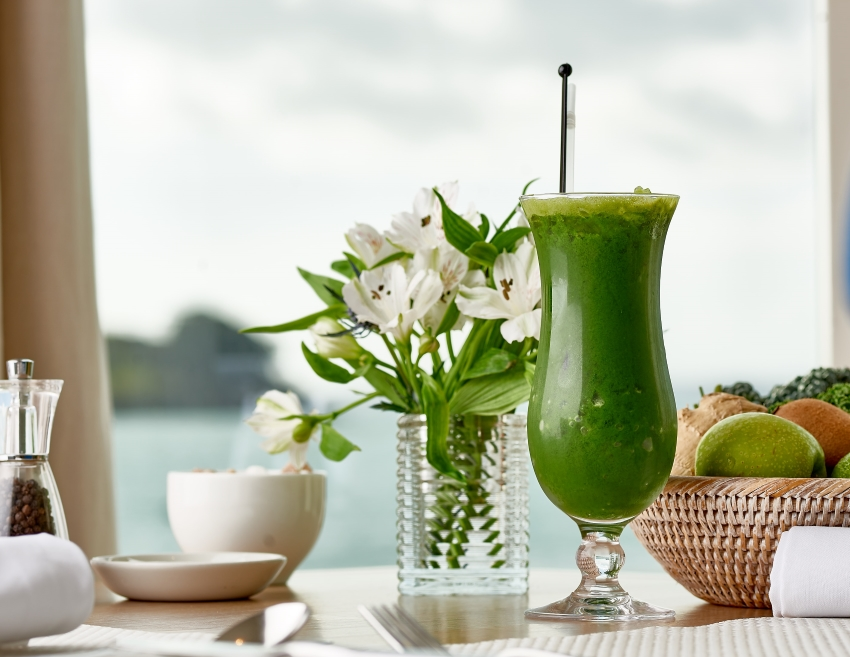 green smoothie with a sea view at the Idle Rocks Restaurant