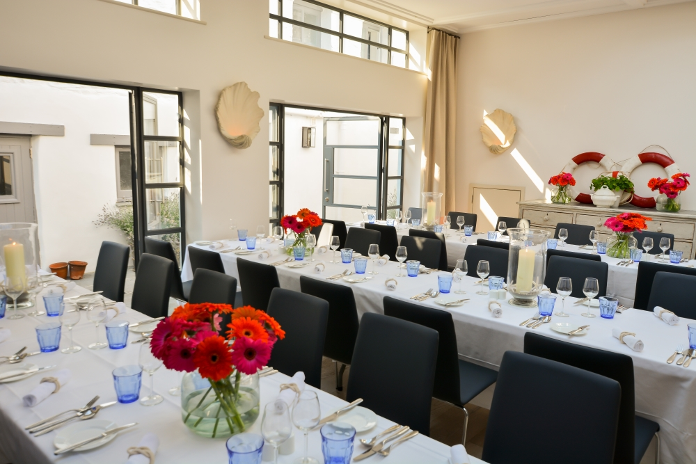 Corporate Entertaining in St Mawes - courtyard room